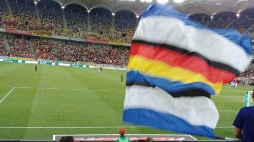 AGONIE SI EXTAZ (In amintirea vremurilor in care ne inchinam cu totii aceluiasi steag)